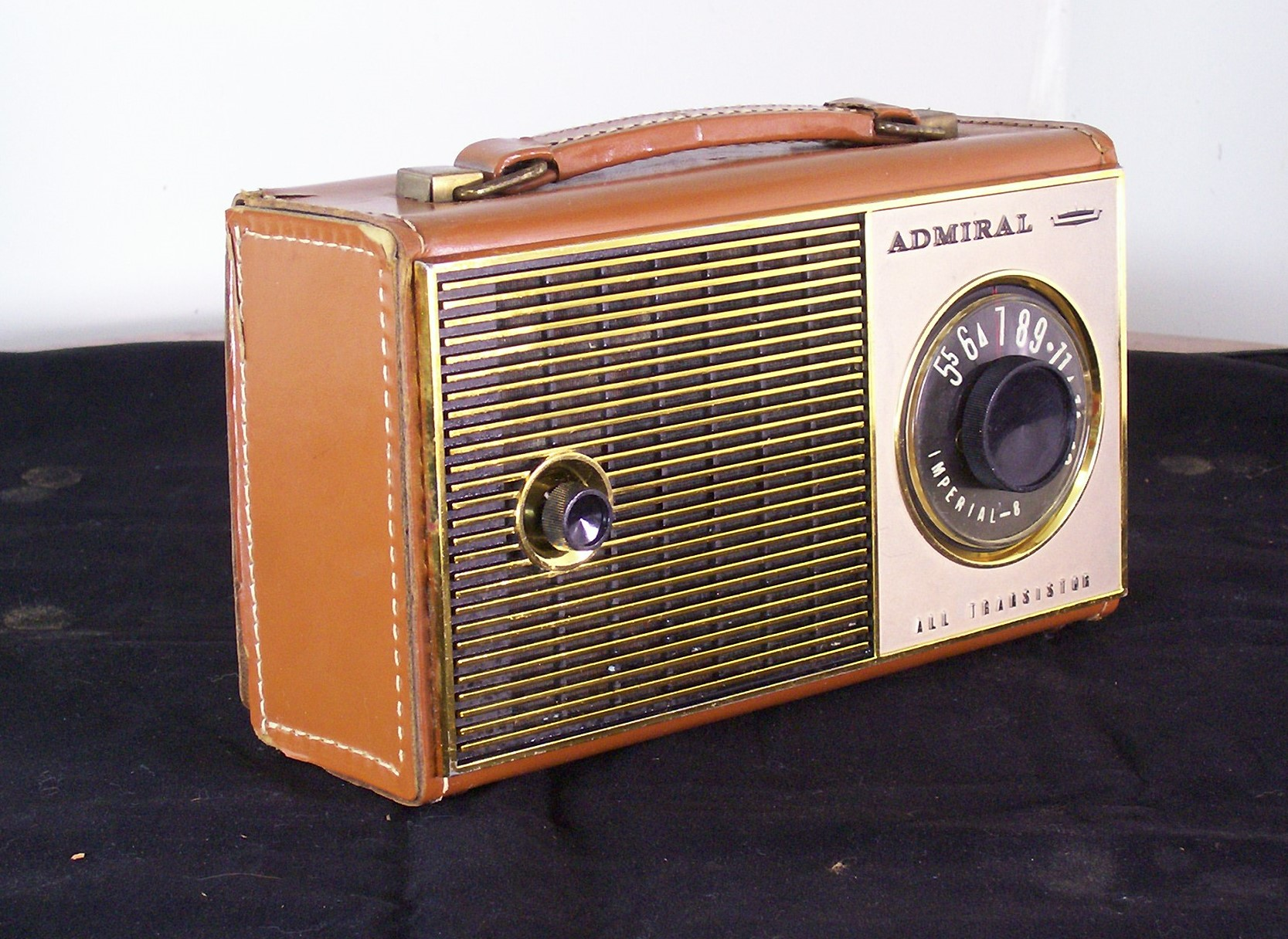 Broadcast Radio Radio Sets Transistor further Transistor Radios together with TransistorRadios likewise Vintage Ross Remembrance Mini Am further Watch. on tr 6 transistor radio sony